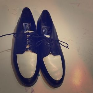 Munro two toned leather oxfords Sz 8.5N